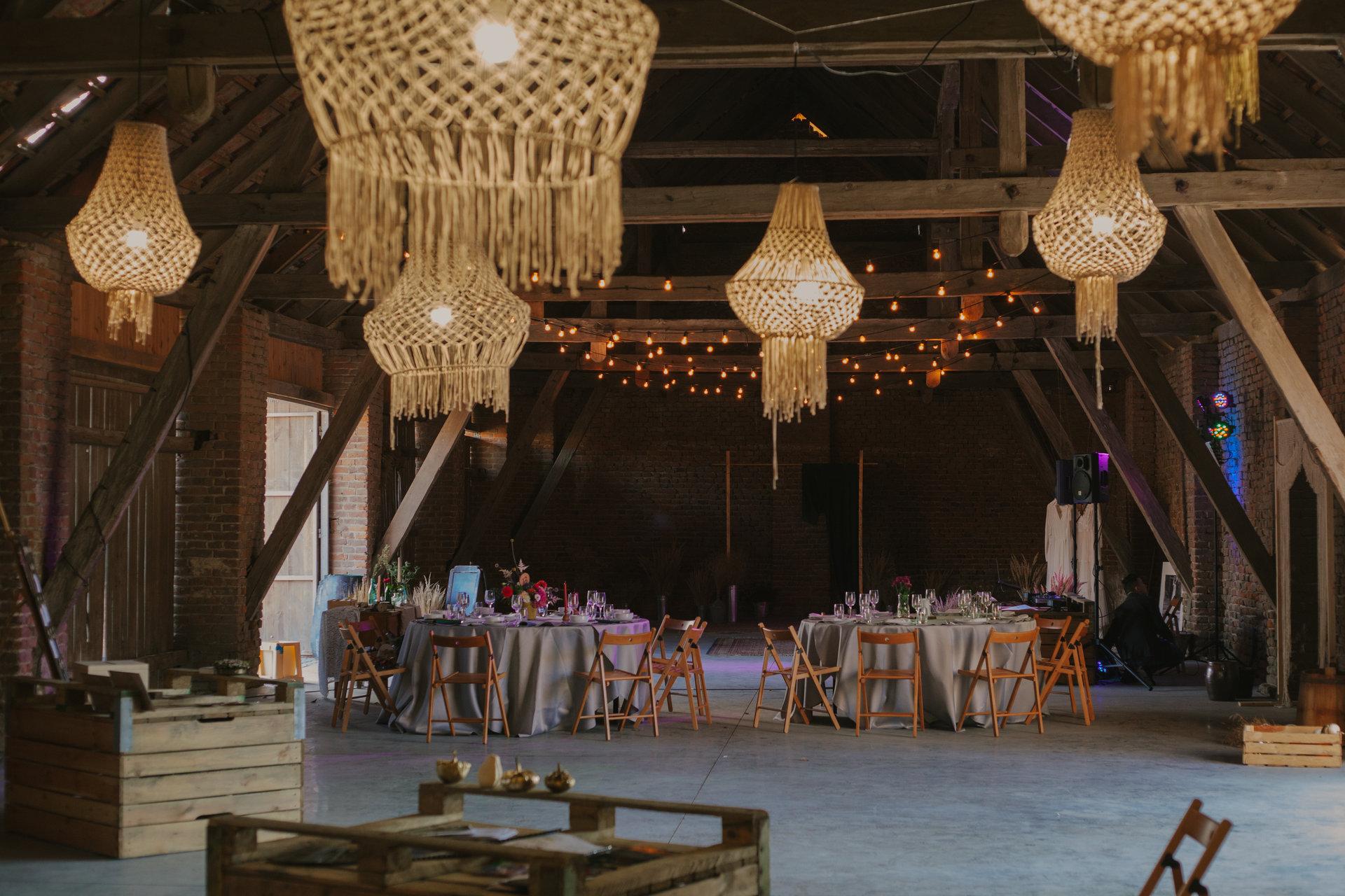 wesele w stodole, girlandy na wynajem