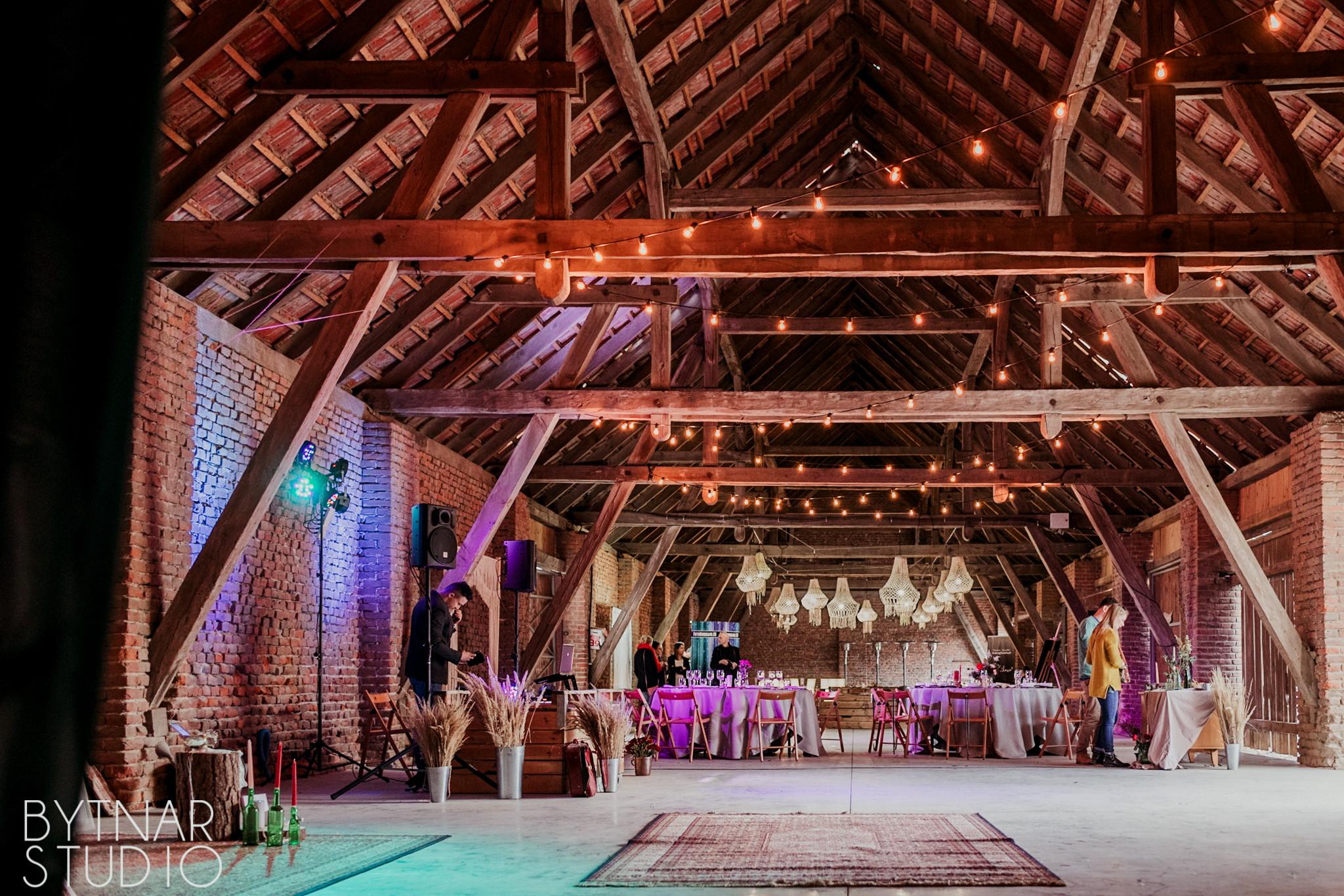 rustykalne wesele w stodole, sady albigowa