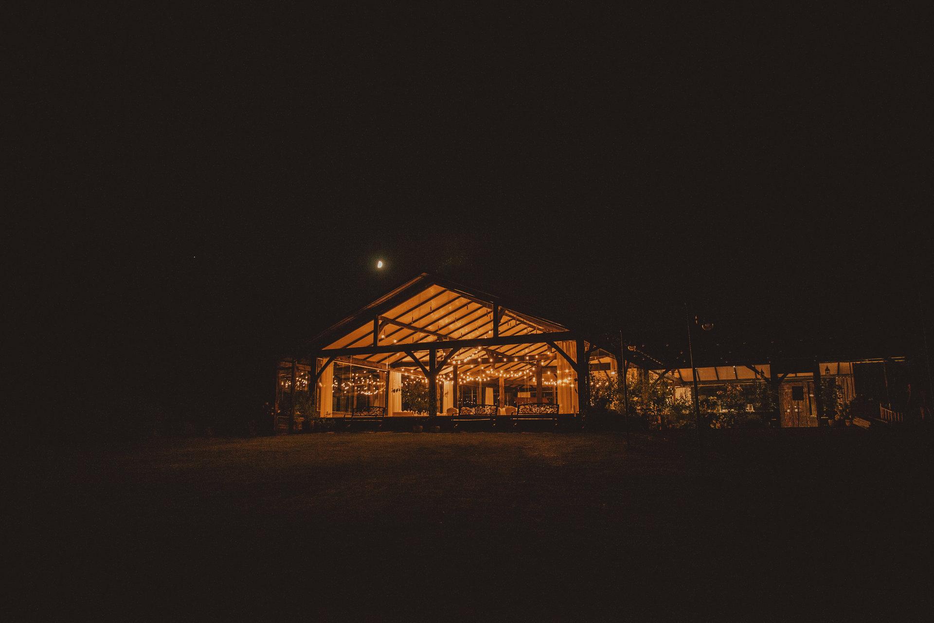 szklana stodoła, wynajem girland na wesele