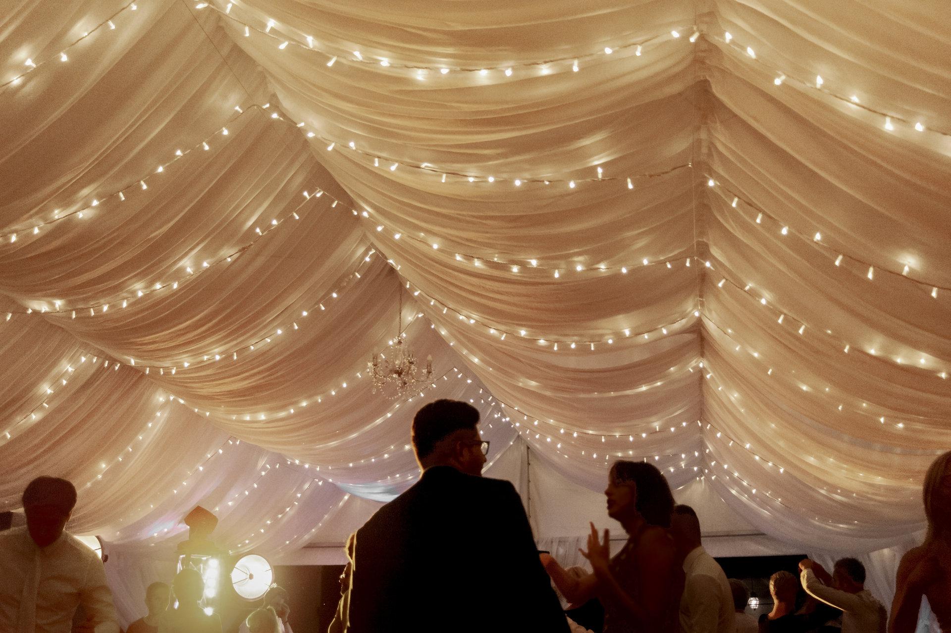 wesele w namiocie, baranów sandomierski, wynajem światełek