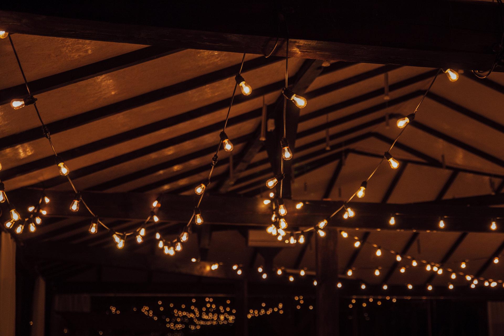 rustykalne wesele w szklanej stodole