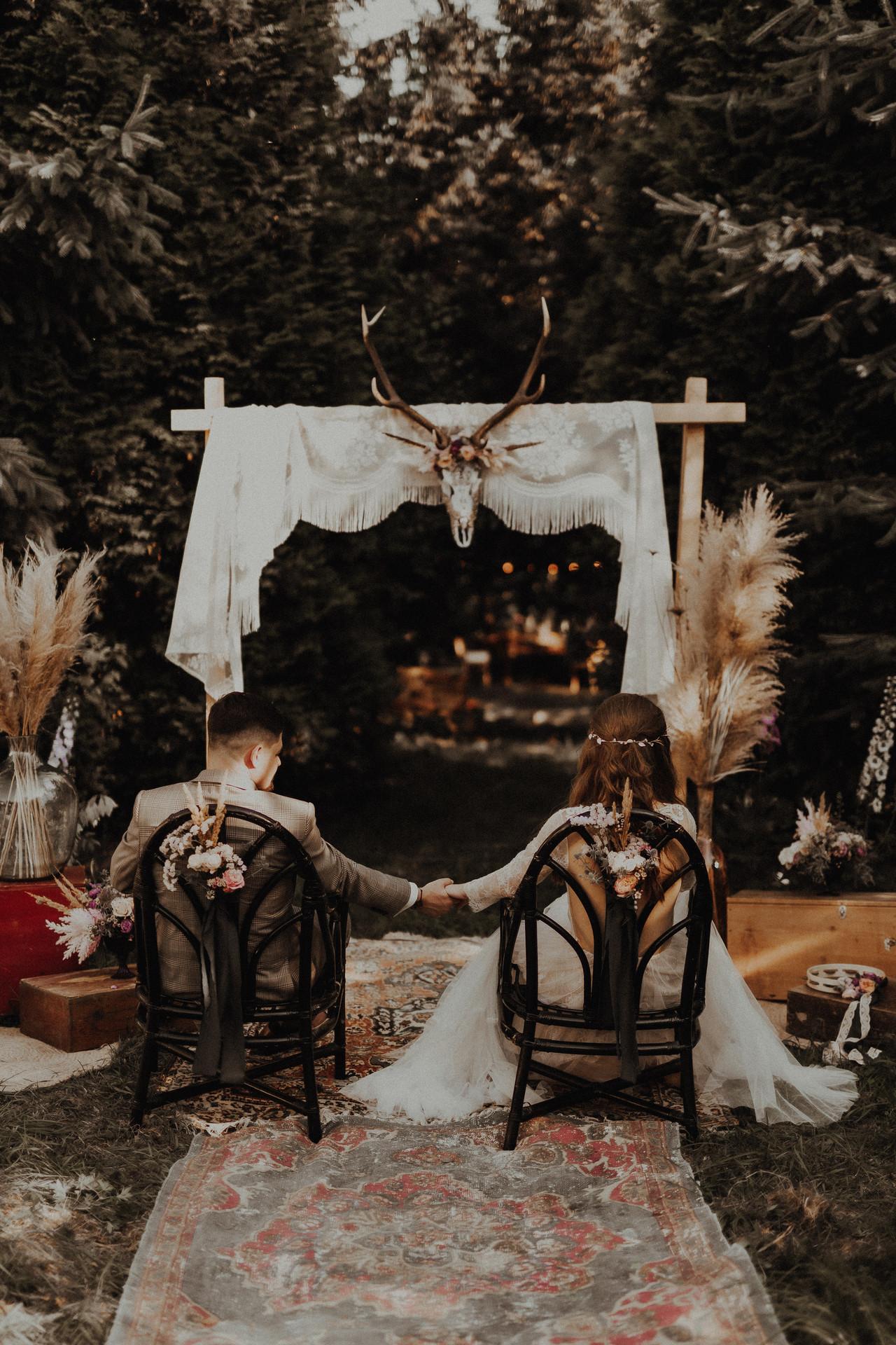 ślub humanistyczny w ogrodzie