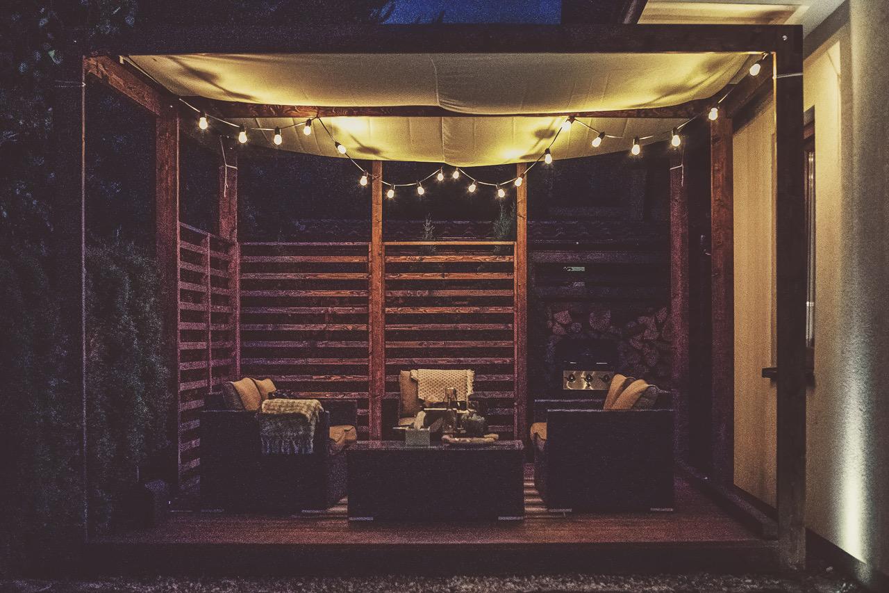 oświetlenie pergoli, girlanda żarówkowa