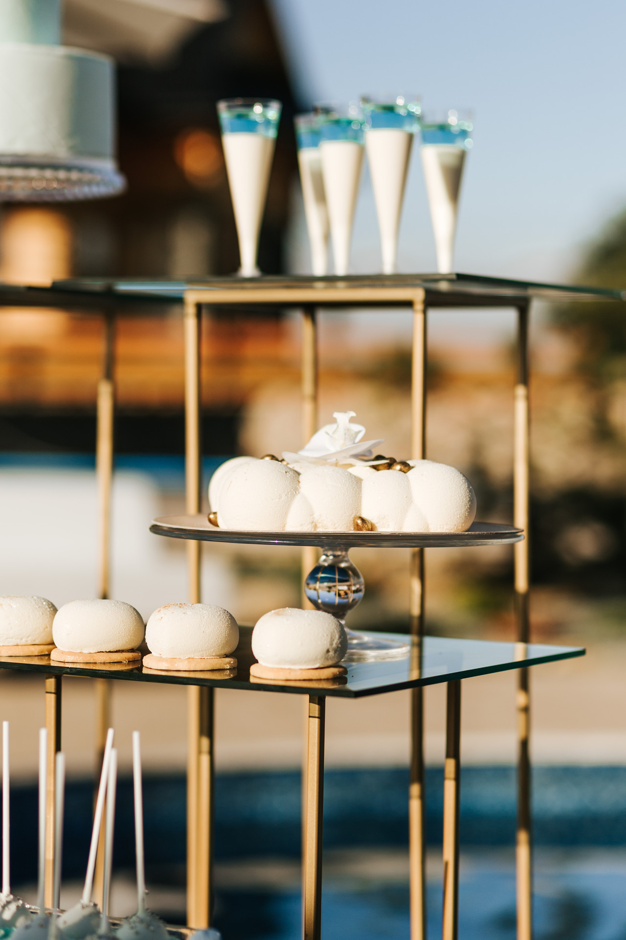 słodki stół glamour, wesele w plenerze