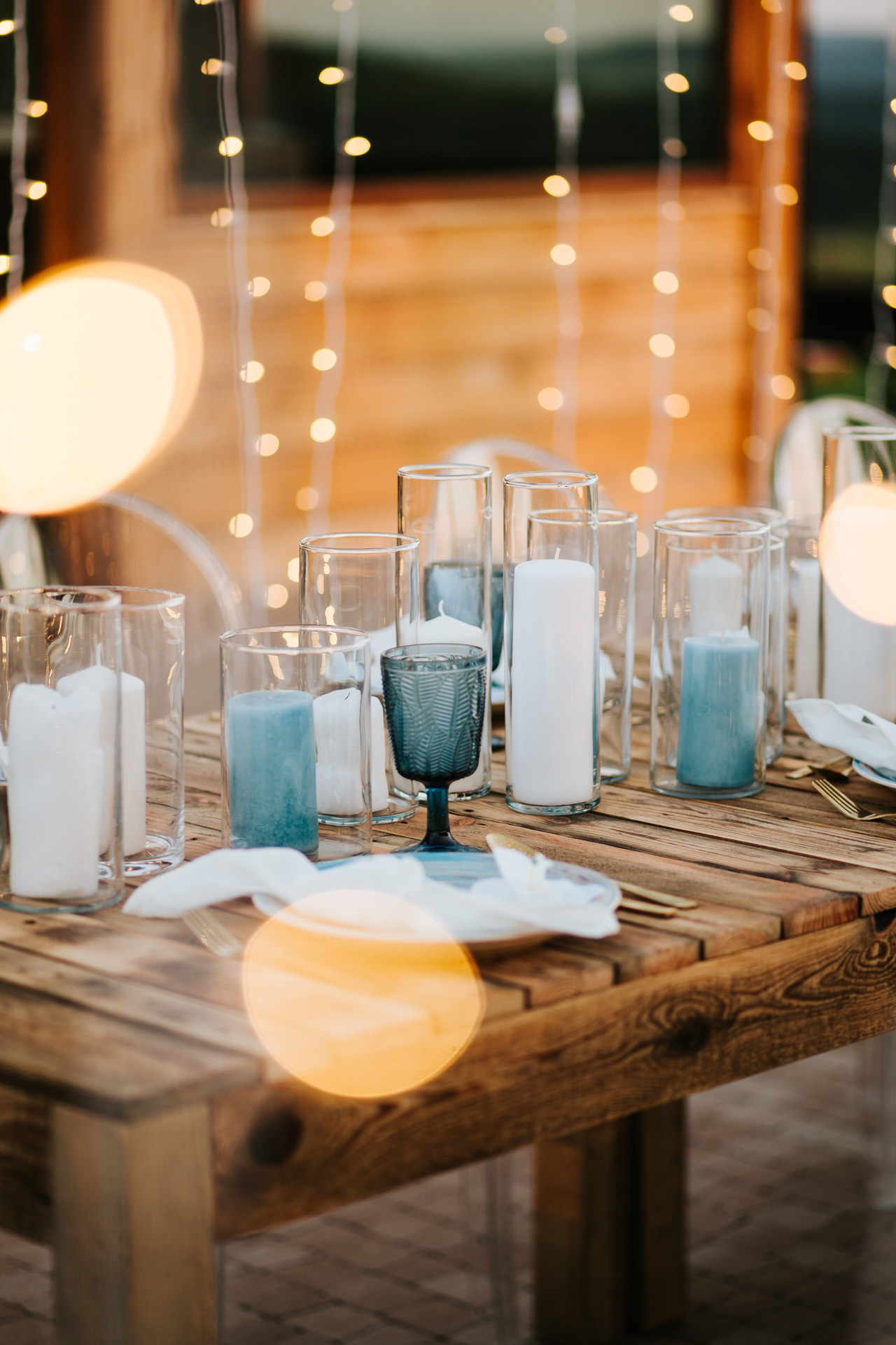 światełka fairy lights - dekoracja wesela w plenerze