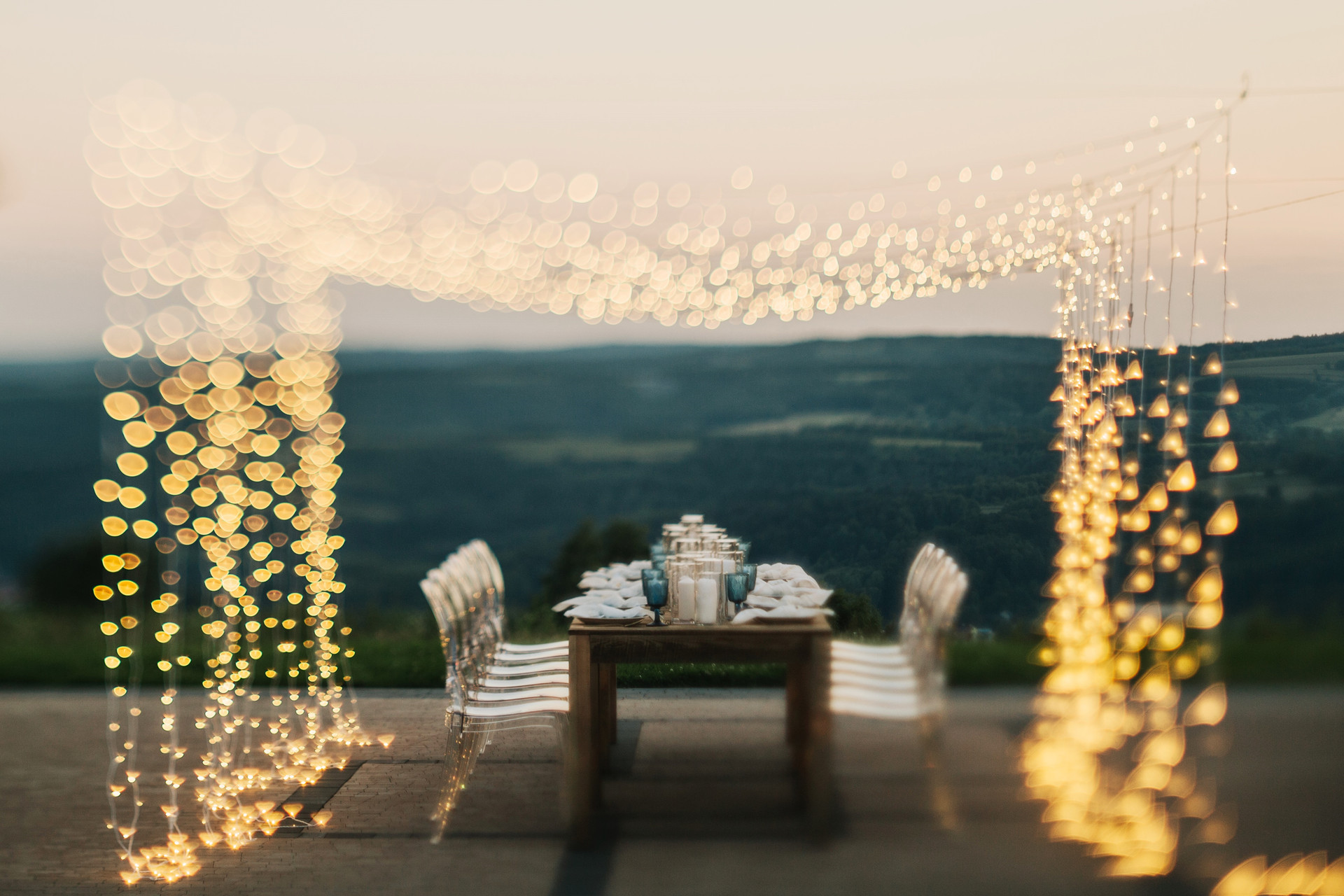 światełka fairy lights na wesele w plenerze