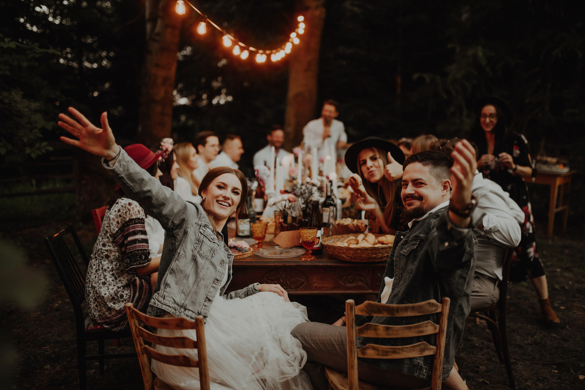 wesele hippie w ogrodzie
