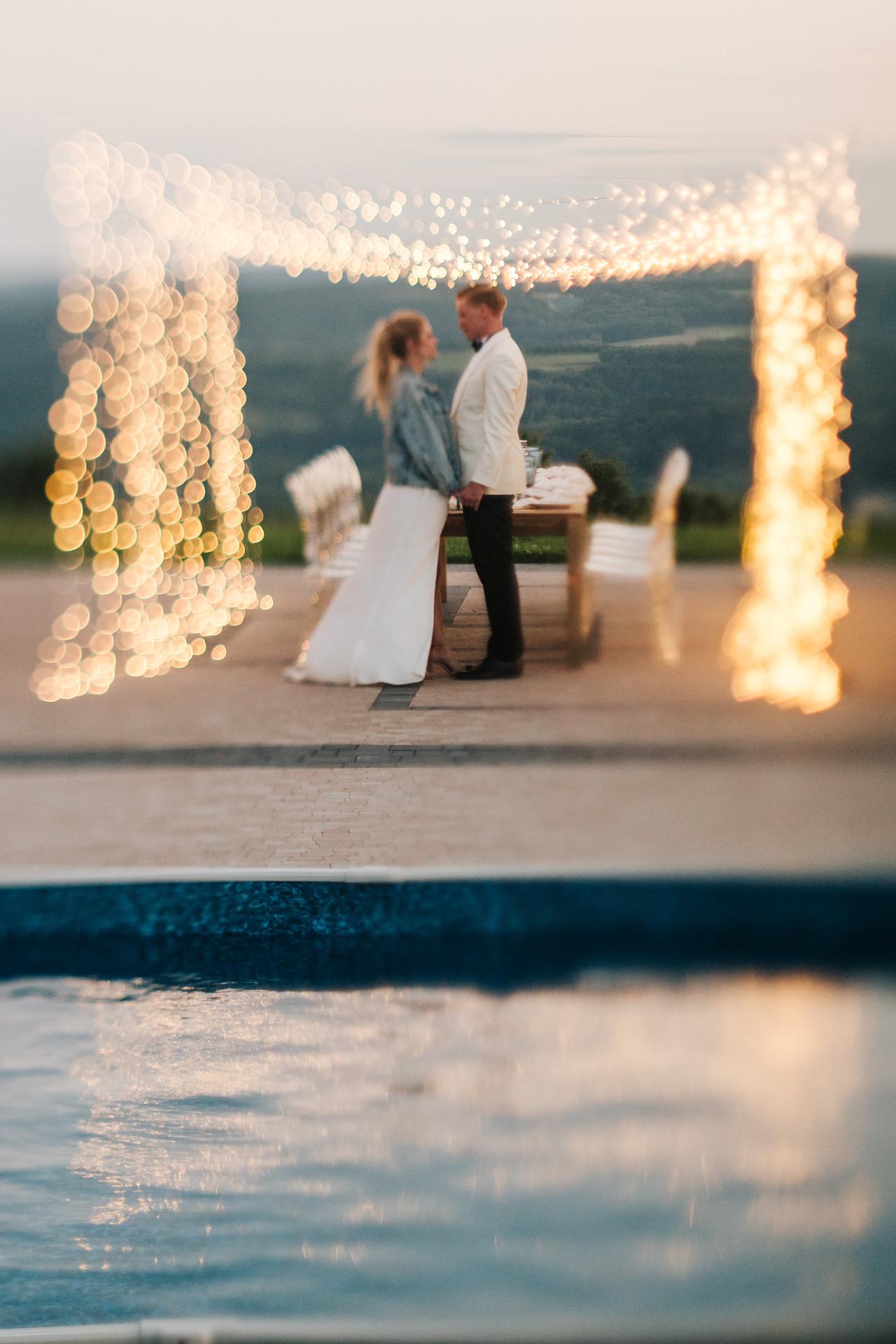 wesele nad basenem