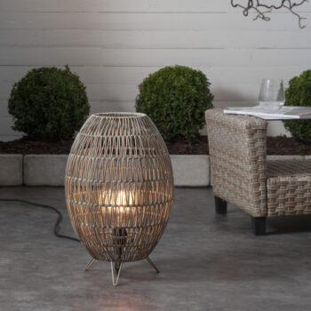 klosz rattanowy, lampa ogrodowa stojąca