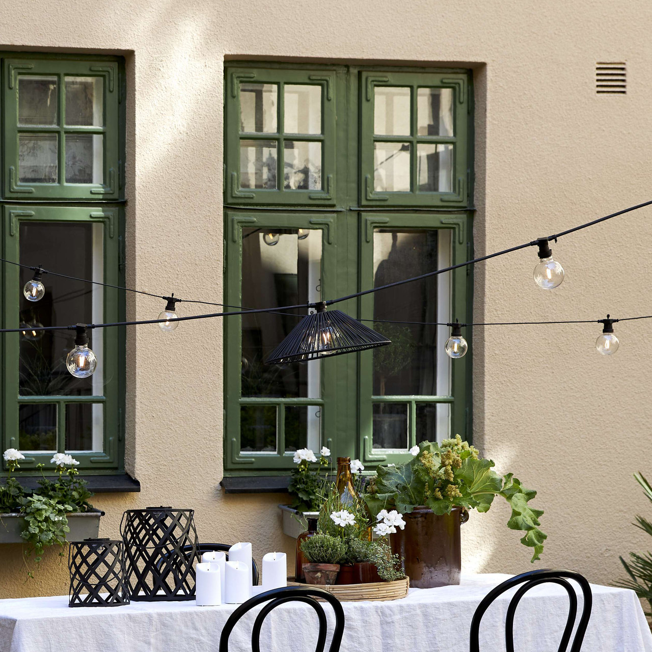 lampa ogrodowa - czarny klosz