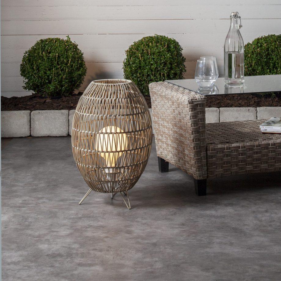 lampa podłogowa rattanowa