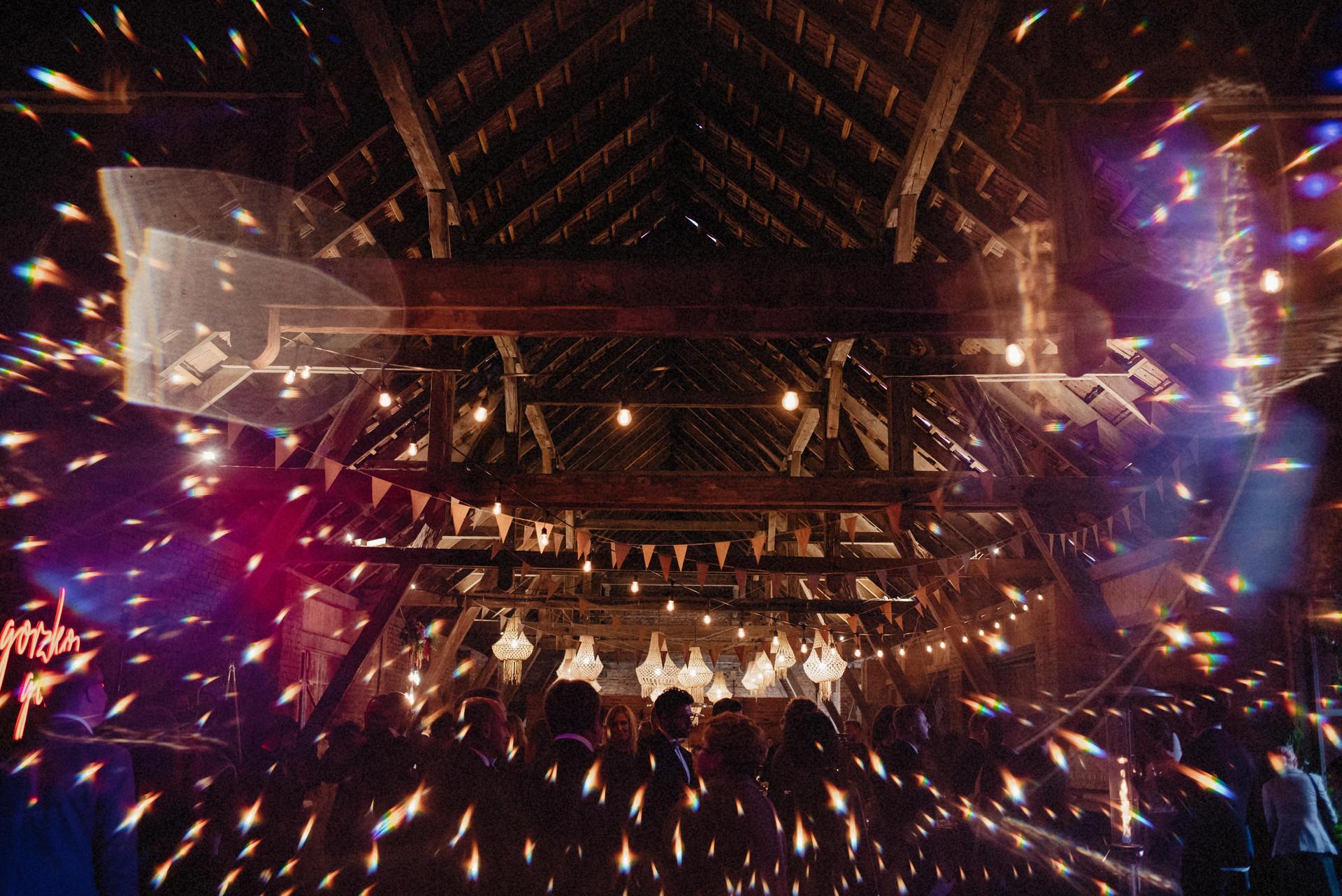 wesele w stodole, girlandowo