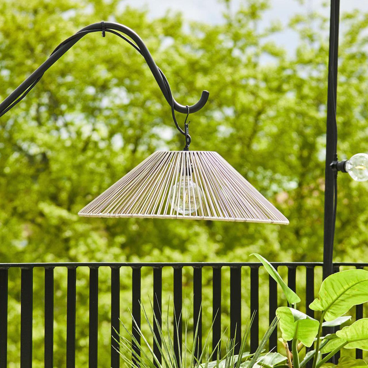 klosz rattanowy, lampa ogrodowa