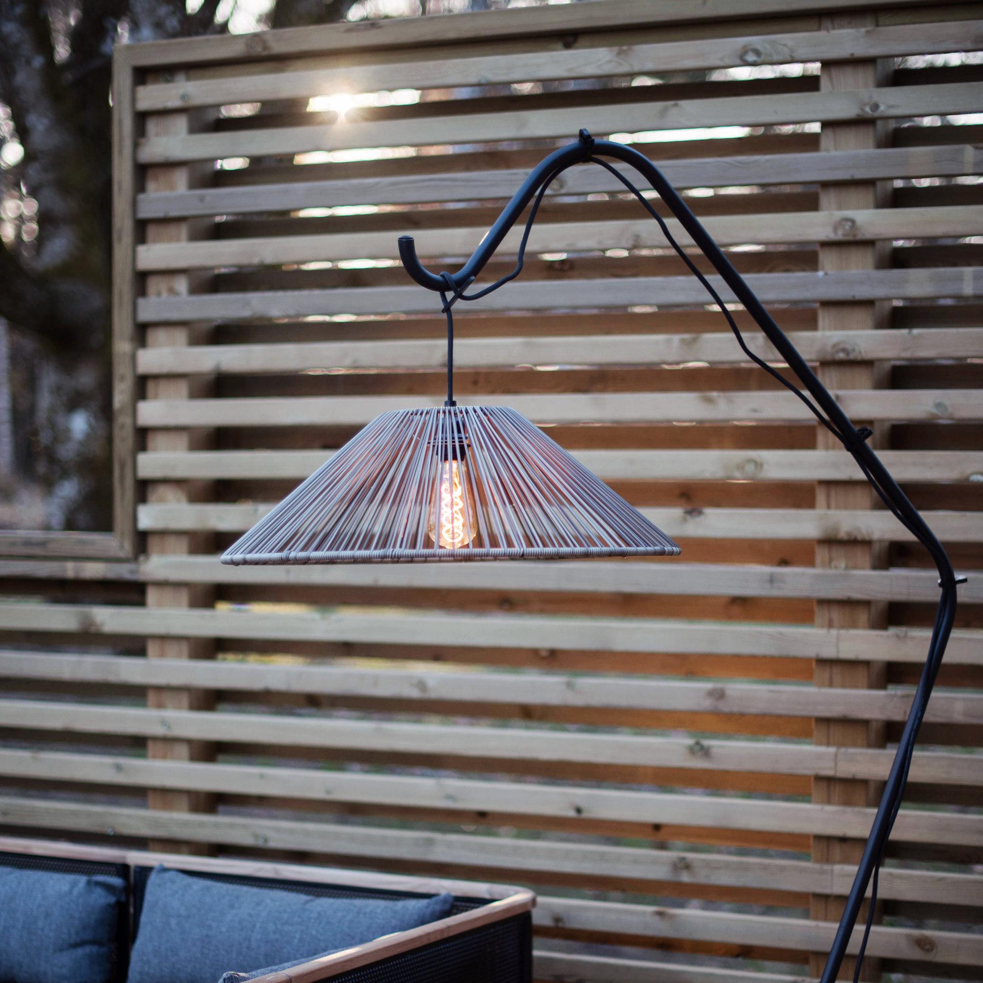 lampa ogrodowa wisząca, klosz rattanowy